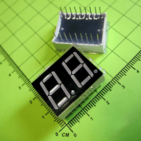 5261AS Цифровой индикатор, 2 сегментa, 0.56 дюйма/сегмент, общий анод, красный